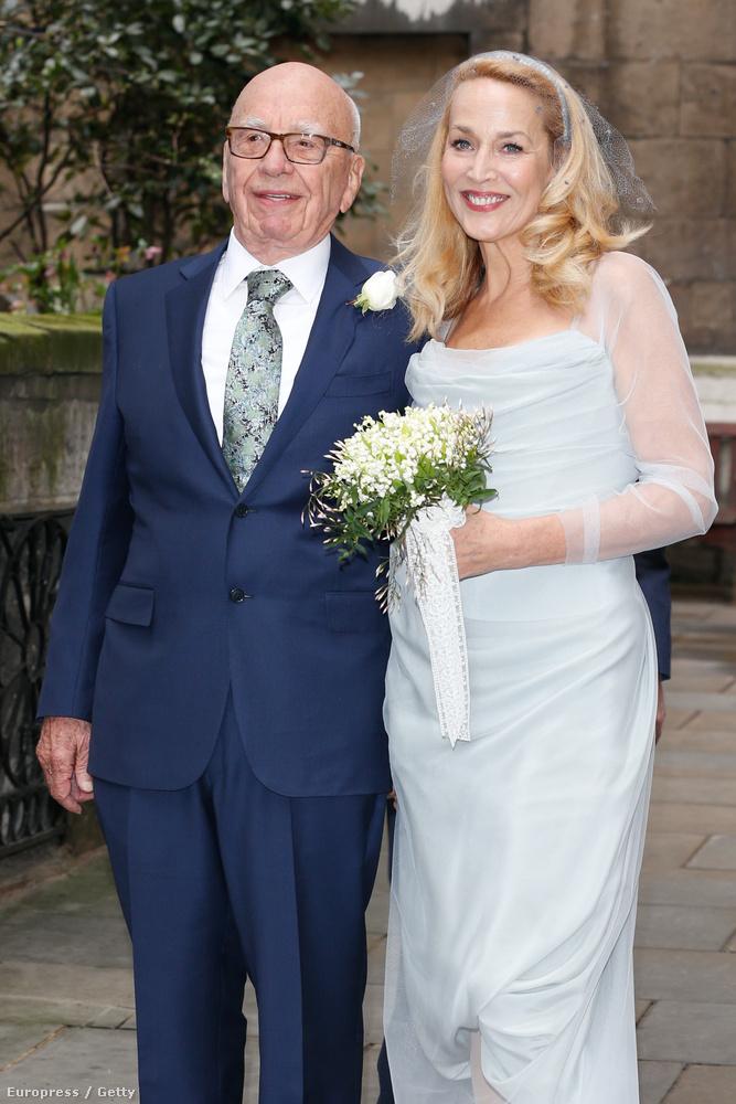 Rupert Murdoch még januárban jegyezte el Jerry Hallt, és most megtartották az esküvőt Londonban