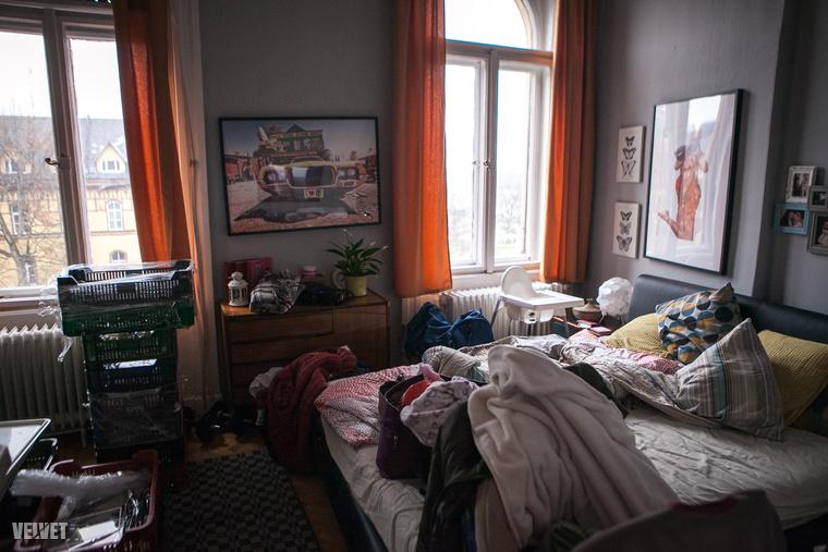 Egy kis kulisszák mögöttJoe szobáját még tutira nem látták raktárként.