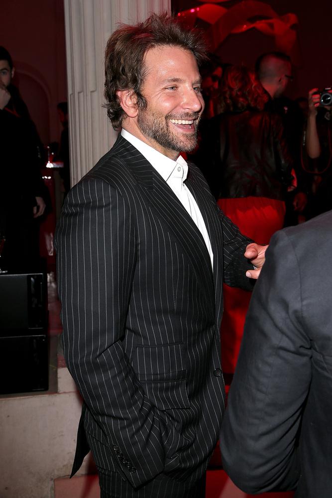 De mit keresett ott Bradley Cooper?Férfi dress code úgy látszik, nem volt