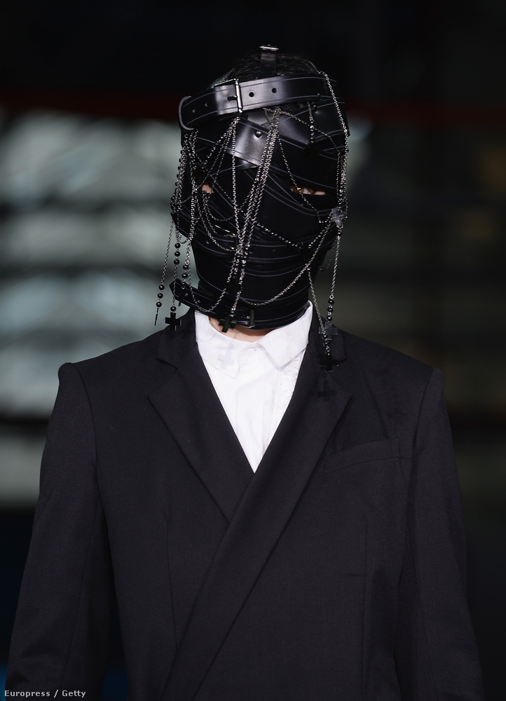 Az AF Vandervorst-bemutatón sok modellnek megint nem lehetett látni az arcát