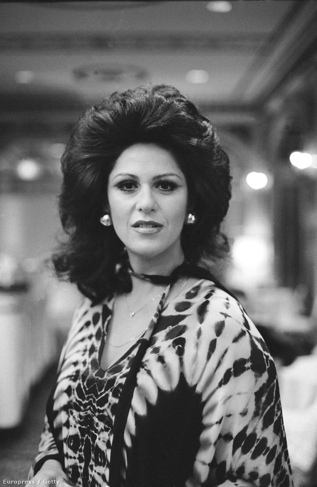 Nem tartozik szorosan a témához, de itt egy kép a színésznőről a 70-es évekből