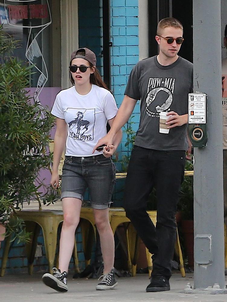 Pattinsonék még próbálták menteni a menthetőt, de aztán már nem volt mit, és 2013 májusában végleg szakítottak
