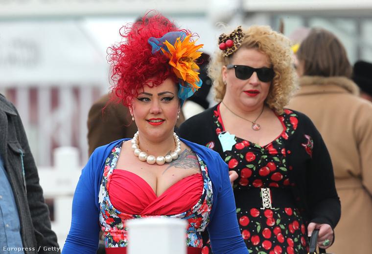 Ahogy a tradicionális angol női divat nélkül sem