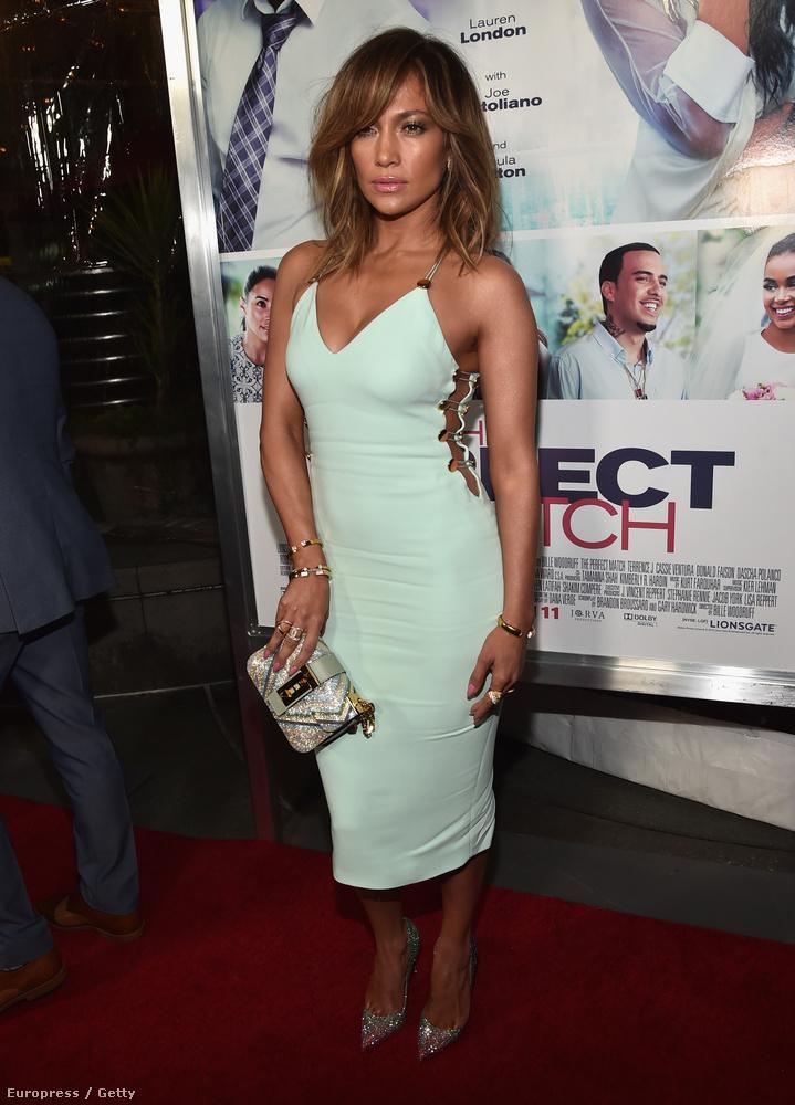 Jennifer Lopeznek mindig a szép alakját, a dekoltázsát, vagy a fenekét figyelik az emberek.