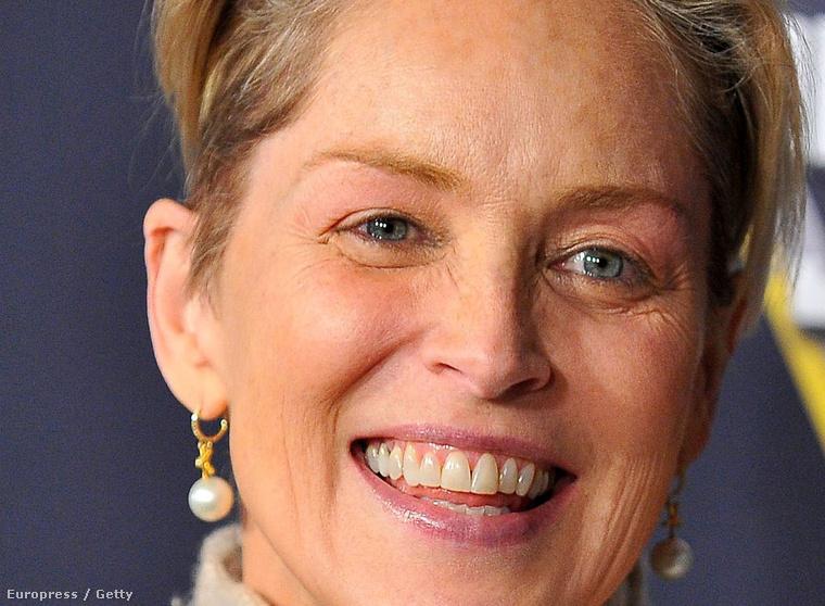 Igen, az a normális, hogy egy 58 éves nő így néz ki.
