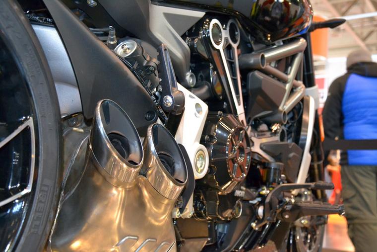 A Ducati XDiavel elképesztően kivagyi motor, szerénységet nyomokban sem tartalmaz.