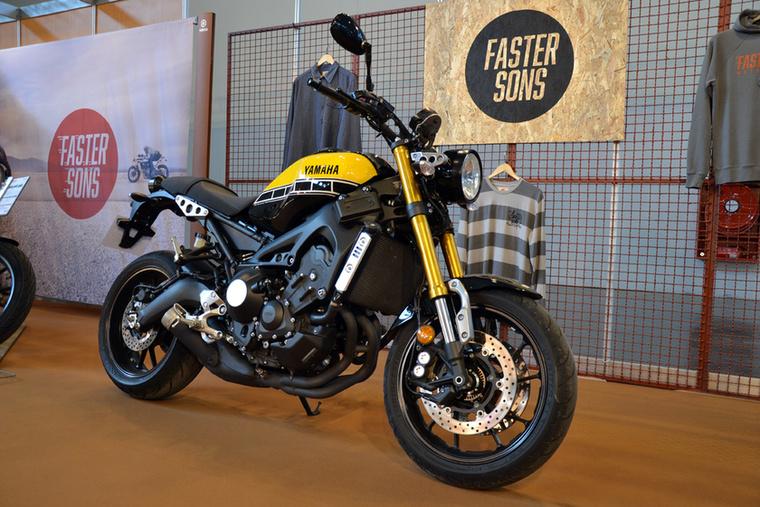 A Yamaha XSR900 egy retrósított MT-09