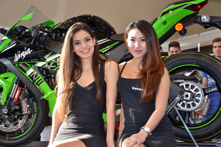 A Kawasaki ZX-10R tavaly másodjára is behúzta a Superbike VB győzelmet, és állítólag az ott szerzett tapasztalatok alapján született meg a 2016-os szériamodell.