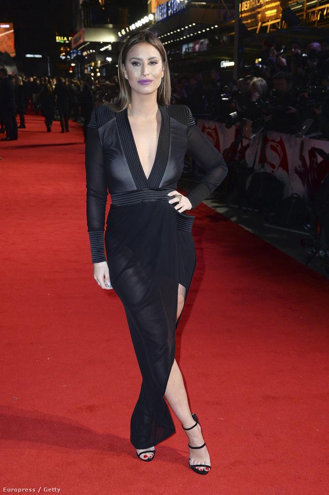 Mccann ezt a fekete ruhát választotta az alkalomra.