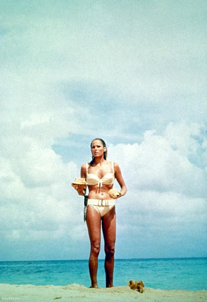 Az első Bond-film első Bond-lánya letette a névjegyét azzal a bizonyos jelenettel, ahogy kijött a vízből.