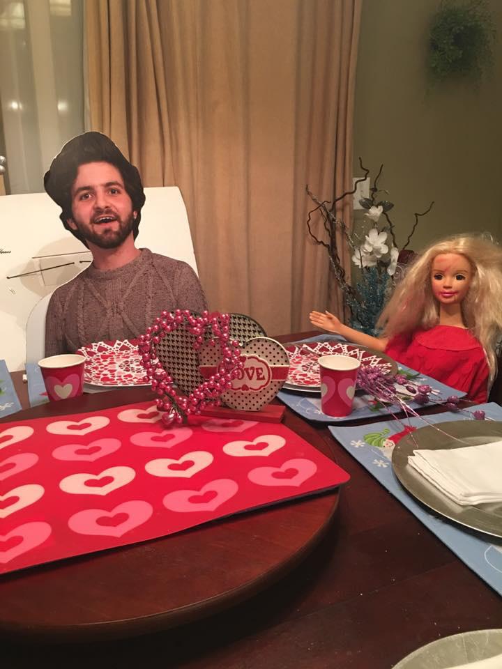 Anyuka Valentin-napi vacsorát is rendezett a fiának, nagyon kedves tőle.