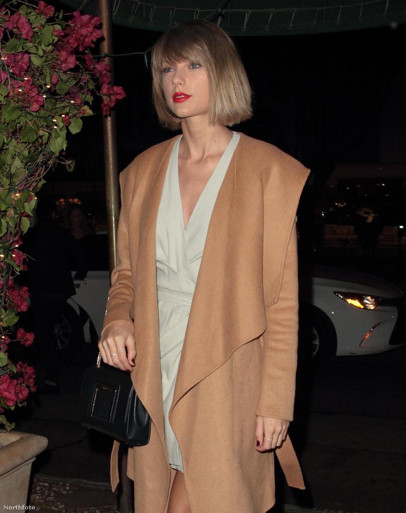 hát azóta ő Taylor Swift, énekesnő.