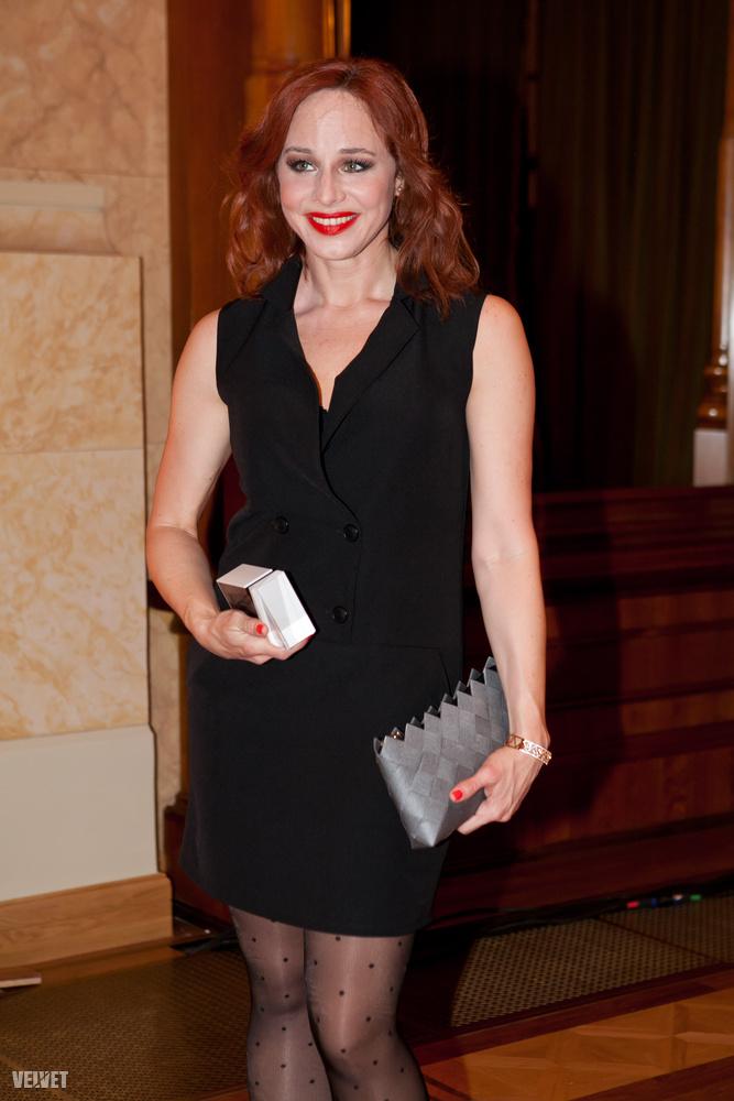 Az Aranyélet két színésznője közül Ónodi Eszter kapta meg a Televíziós Újságírók Díját.
