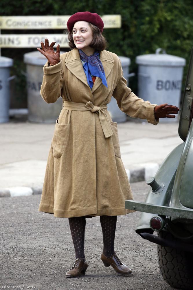 már csak azért is, mert a szereplőt, akit játszik, úgy hívják: Marianne Beausejour.