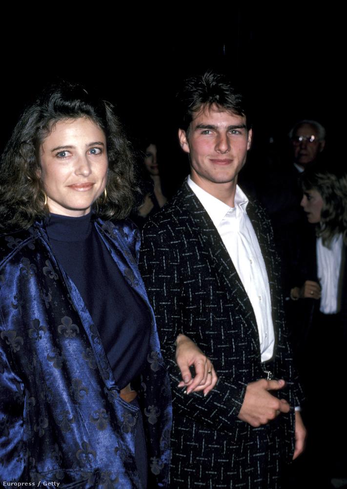 Tom Cruise-t 1990-ben vezette be a szervezetbe akkori felesége, Mimi Rogers, aki azóta eltávolodott az egyháztól (egyébként még abban az évben elváltak).