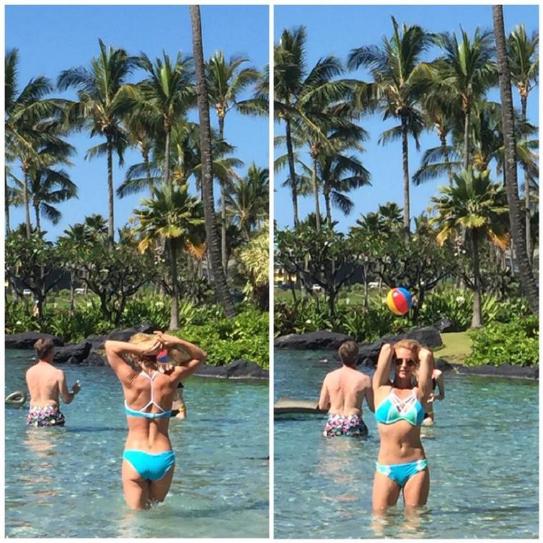 Spears továbbra is folytatja a bikinis testének mutogatását