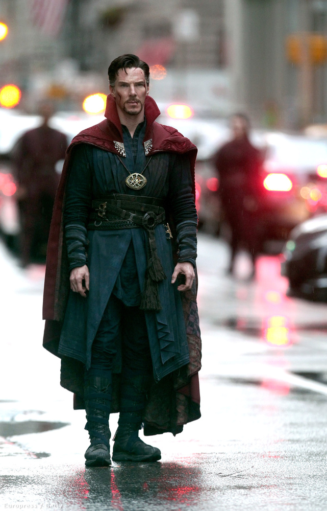 Manhattan utcáin ennyire mérges Cumberbatch