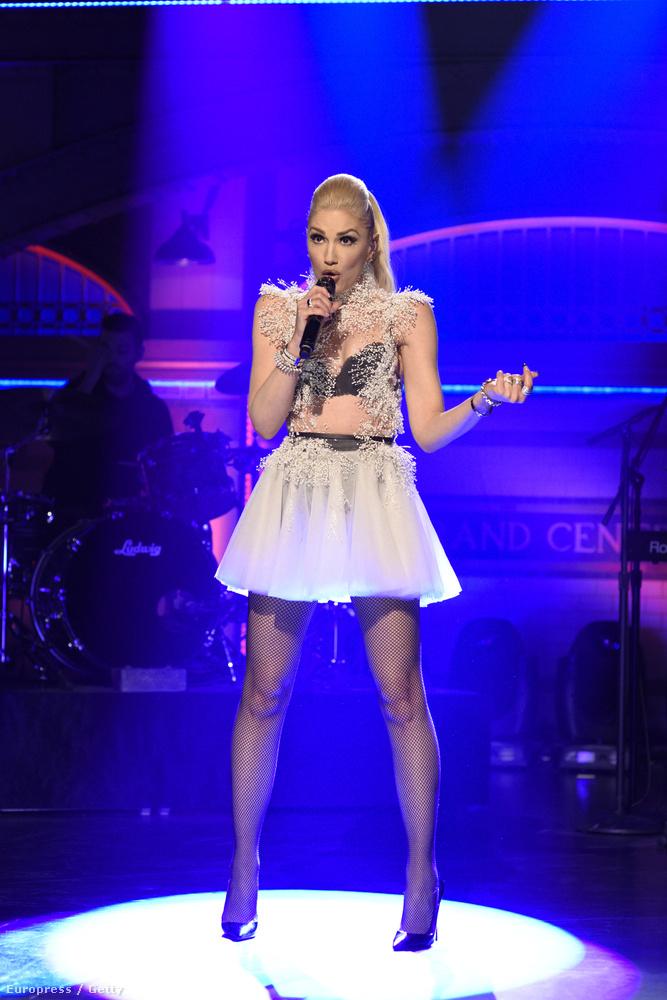 Gwen Stefani lépett fel a Saturday Night Live heti adásában