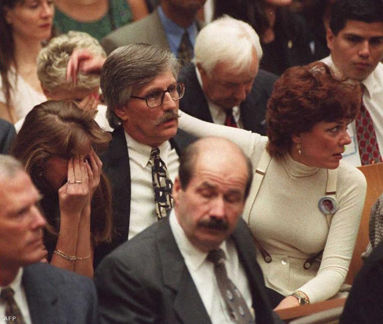 Így pedig Ron Goldman családja...
