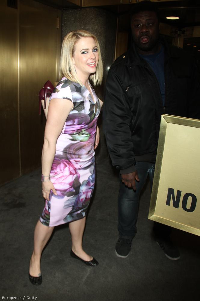 Melissa Joan Hartnak nem a hátából állnak ki a cipői,