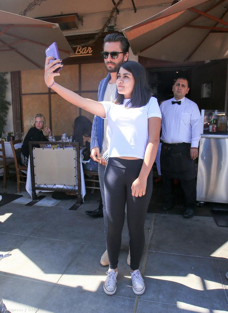 Nem úgy, mint az étterem, ahol Scott Disick, Kim Kardashian semmirekellő sógora fotózkodik egy rajongóval (?).