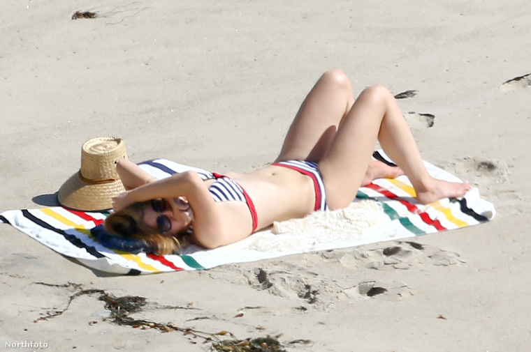 Március közepén szembesültünk azzal, hogy a strandoló Lana Del Rey szép, mint egy látomás.