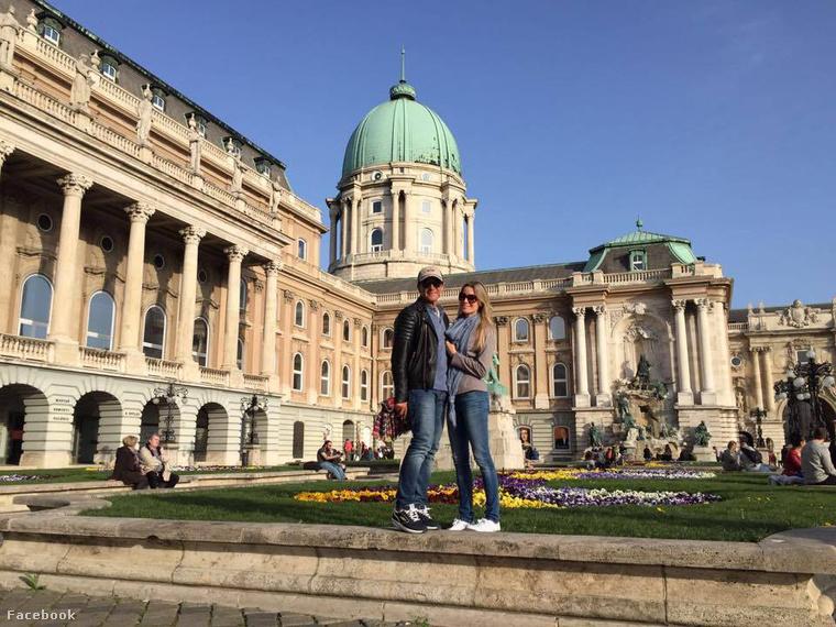 Kiderült, hogy Banderas Budapesten van, és tetszik neki a Budai Vár