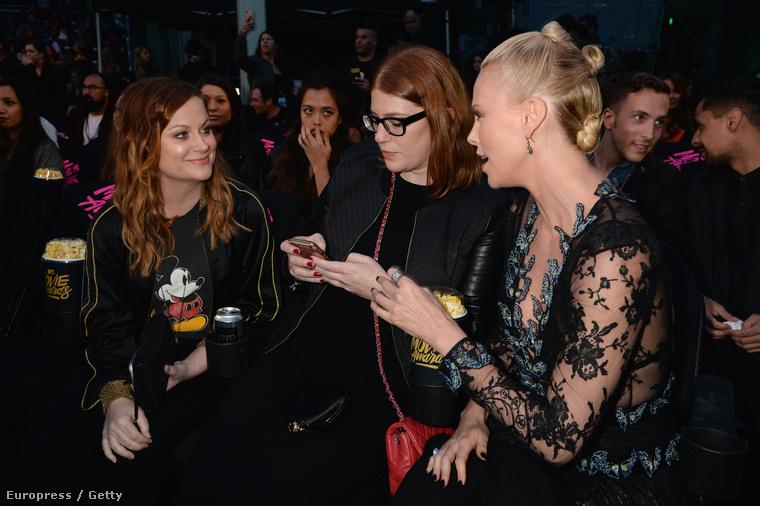 Charlize Theron díjat nyert a Mad Maxért, élete első MTV Movie Awards díját