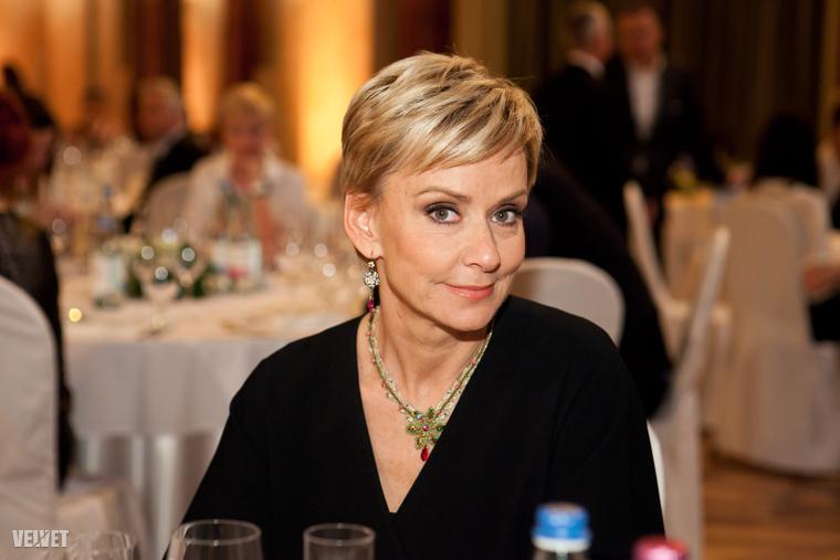 Jakupcsek Gabriella 45 évesen, 2008-ban szülte meg lányát, Emma Rózát