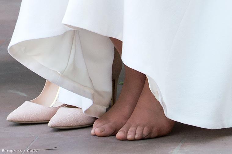 Így már mi is láthatjuk, hogy milyen is egy hercegné lábfeje