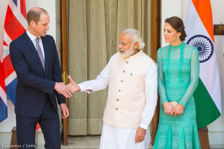 Mert India miniszterelnökével találkoztak.