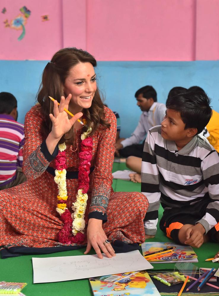 Katalin hercegné pedig éppen Indiában van