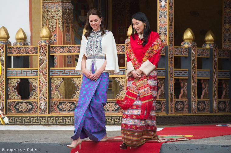 Érdekesség:a hercegné és a királynő pár percet sétálgattak együtt,