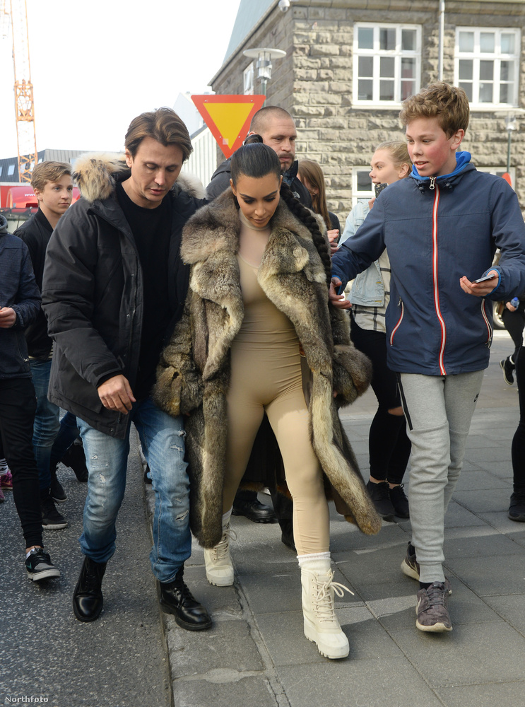 Kim Kardashian Izlandon van és nekiindult, hogy feltérképezze a környéket