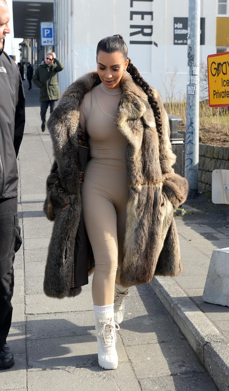 Valószínűleg csak túrázáshoz való aláöltözetet vitt magával a férje, Kanye West kollekciójából