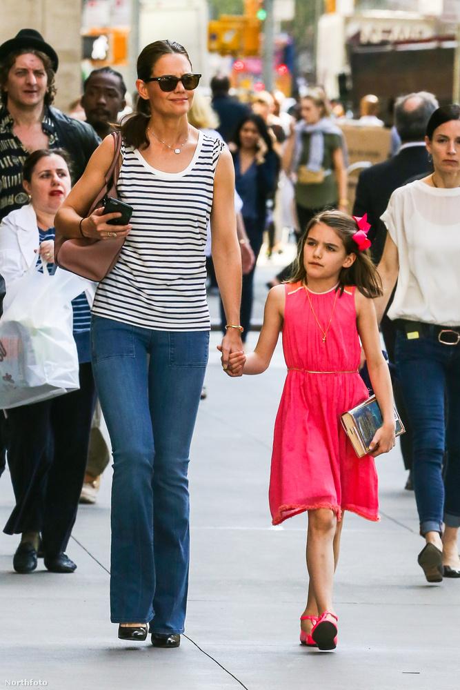 A színésznő magához képest egészen vidáman öltözött fel a lánya születésnapjára,