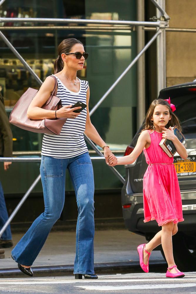 Katie Holmes és Tom Cruise lánya, Suri tíz éves lett.