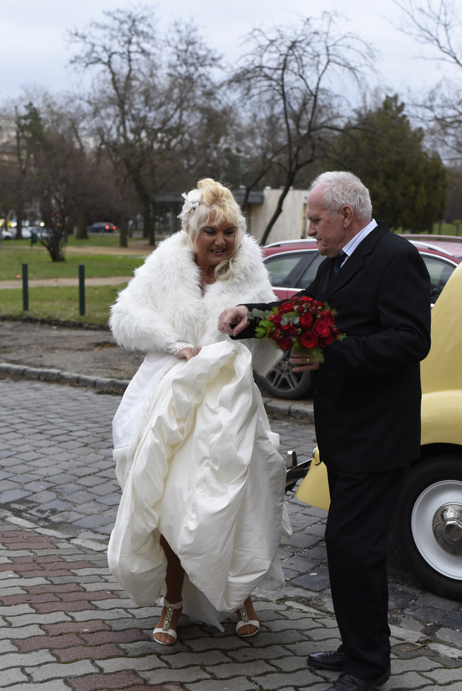 Karda Beáta 65 évesen, egy tévéműsorban (Négy esküvő) fogadott örök hűséget, holtig tartó szerelmet, és minden más szépet.