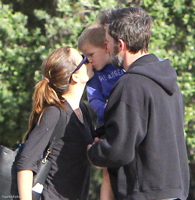Ben Affleck és Jennifer Garner a csúnya válásuk mellett igyekeznek jó apa és jó anya lenni