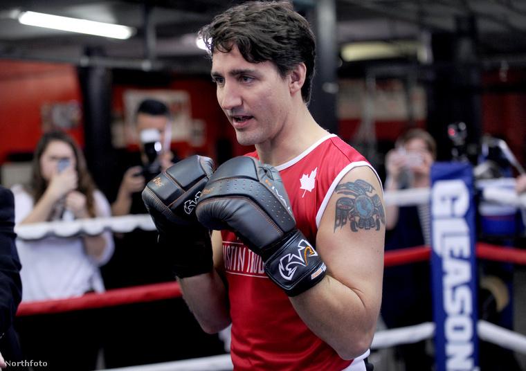 A világ talán első és egyetlen tetkós miniszterelnöke