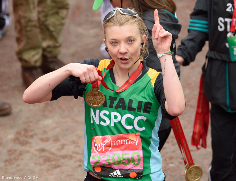 A Trónok Harca szépséges Margaery Tyrelljét eddig is nagyon kedveltük, de az, hogy lefutotta a londoni maratont, még nagyobb piedesztálra emelte őt a szemünkben.