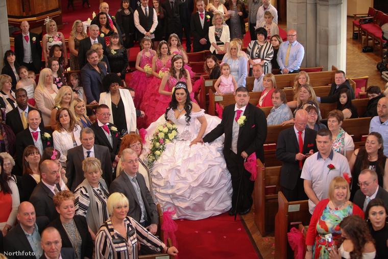 Az illető a menyasszony unokatestvére volt