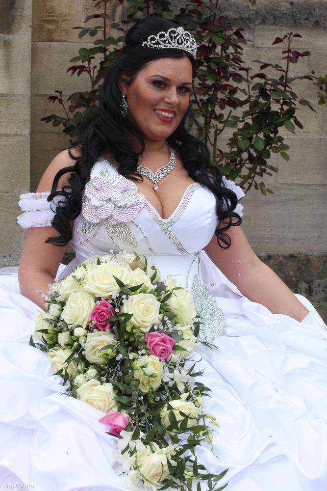 A menyasszonynak egyébként van már három gyereke