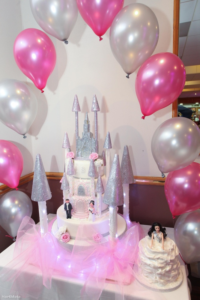 A torta is eléggé hercegnős volt