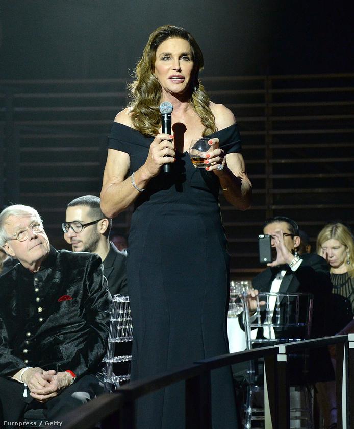 Ott volt az eseményen Kardashianék mostohaapja, Caitlyn Jenner is