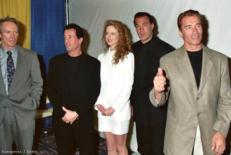 Ezen a remek, 1995-ös fotón Clint Eastwoodot, Sylvester Stallonét, Nicole Kidmant, Steven Seagalt és Arnold Schwarzeneggert láthatják