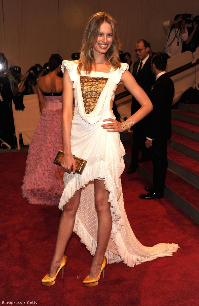 2010-ben pedig az amerikai nőt, mint divatjelenséget.