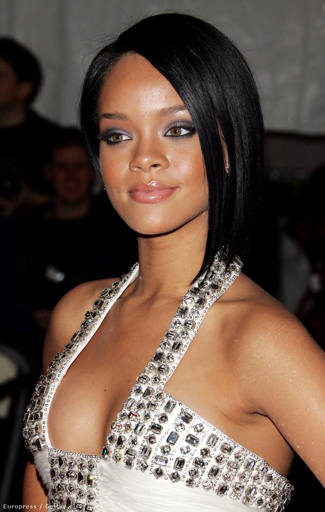 Itt van például Rihanna, aki 2007-ben a Poiret: a divat királya mottójú estélyre ment el.