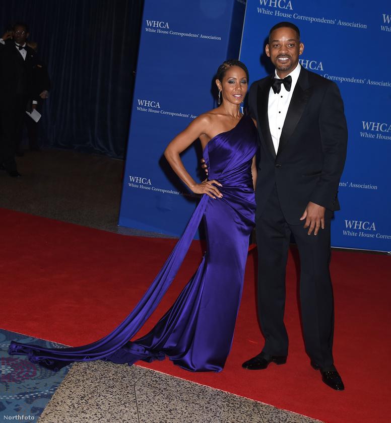 Romona Keveza lilás szaténba csomagolta Jada Pinkett Smitht, Will Smith pedig fogta az asszonyt és így vitte el a Fehér Házba