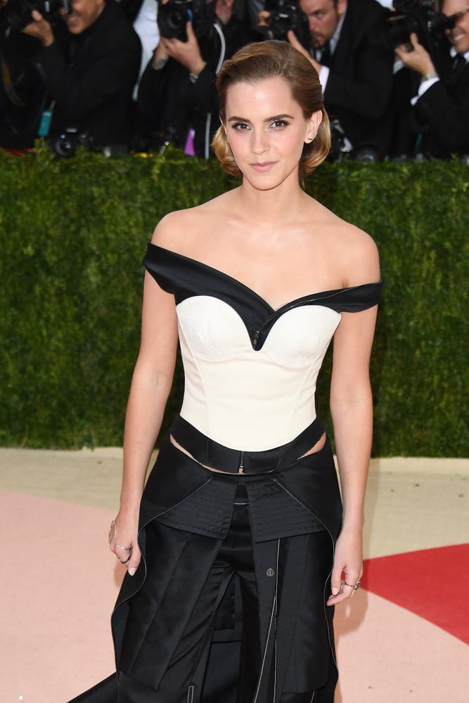 Emma Watsonon sem volt semmi extra, de ez kit érdekel?! Nem lehet mindenki egy Nicki Minaj
